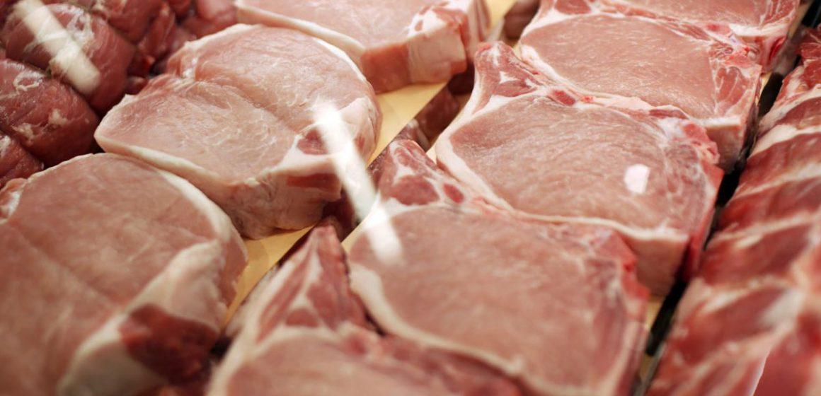EUA saluda nuevas normas para procesar cerdo y activistas las rechazan