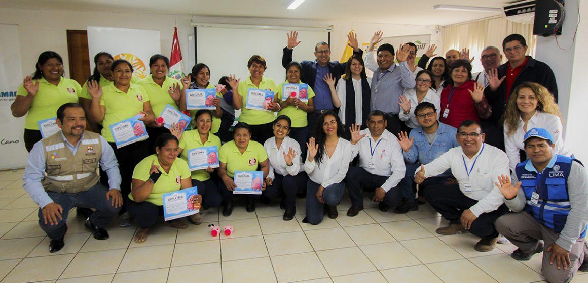 Cargill: mejorando la competitividad de las mujeres criadoras de porcinos en Los Lúcumos
