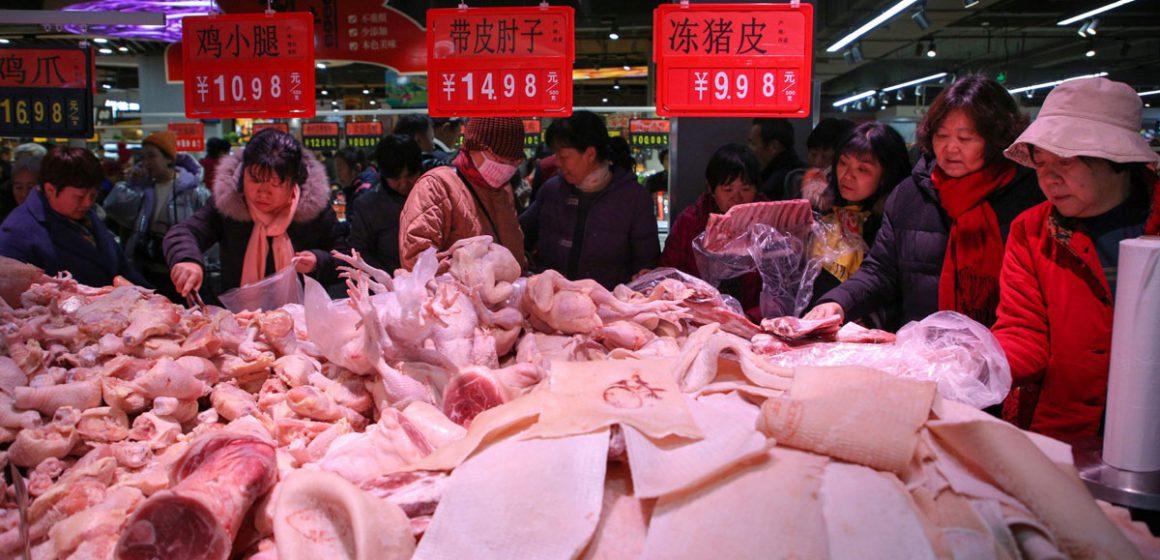 Precio de carne de cerdo sigue bajando en China